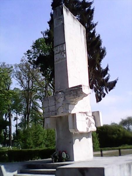 Захоронение наших воинов в Мораунге.