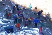 Местные таджики согласились помочь с заброской.