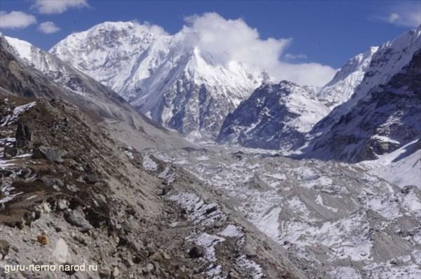 Kirat Chuli(Tent Peak) (7362 м) и Nepal Peak (7177 м)