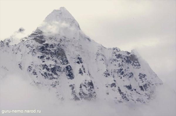 Chang Himal(Wedge Peak) (6802 м)