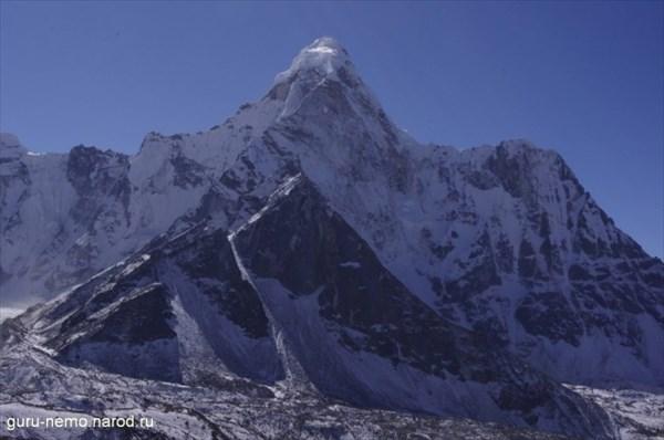 Ama Dablam (6856 м)