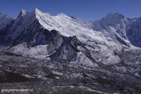 Вершина 6230 м и ледник Chhukhung