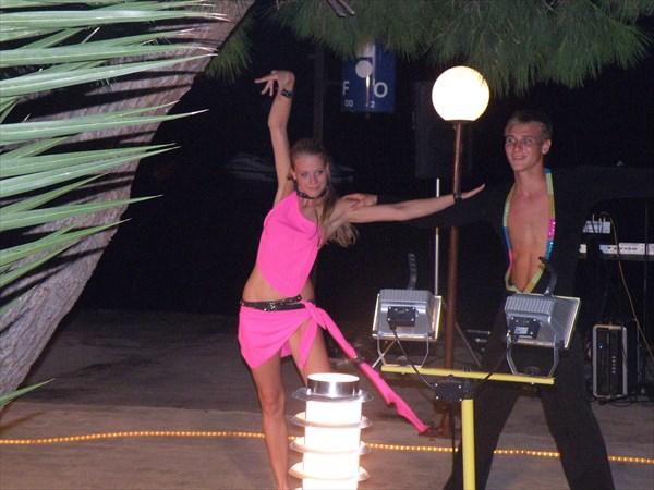 209-Танцоры