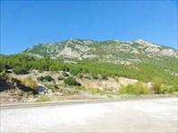 Дорога у поворота на Олимпос