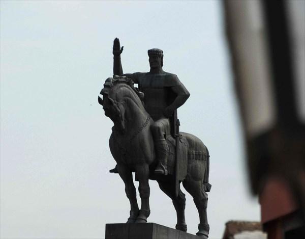 Памятник В. Горгасали