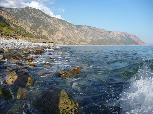 Дикий пляж в бухте Айя Румели