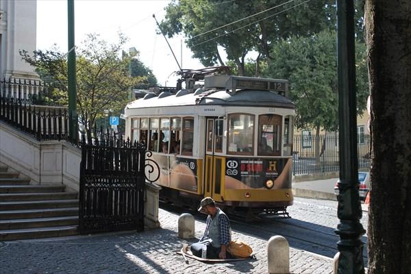 Желтый трамвайчик