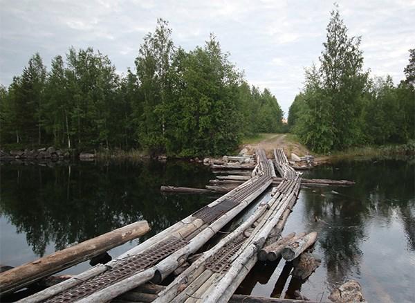Мост на старой дороге на Энгозеро