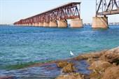 Старый разобранный мост