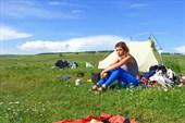 Поставили палатку в деревне около Красноярска