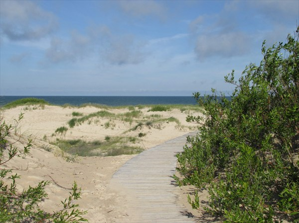 Путь на пляж в Вентспилсе