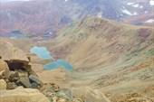 Вид на каньон с двумя озерами