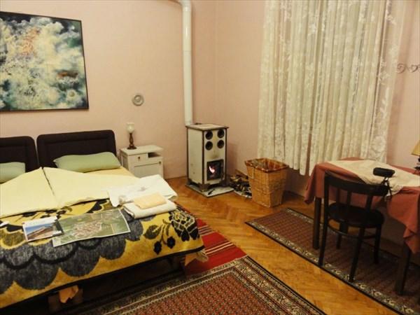 Наша комната с печкой.