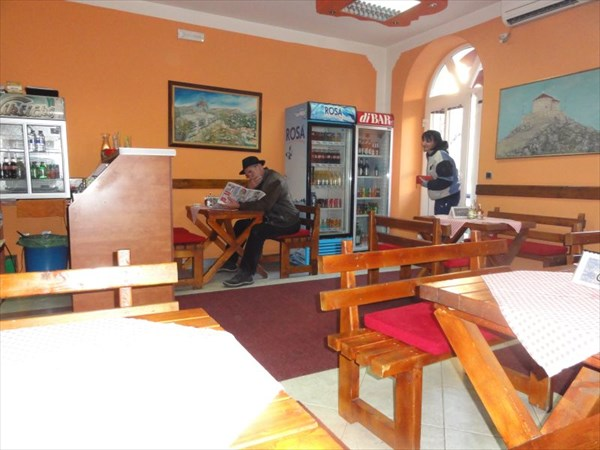 В ресторане Цетине.