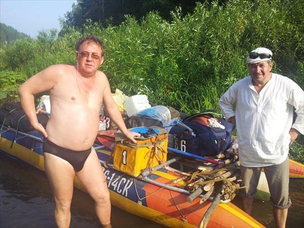 Автор с командором проплыва