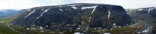 183_Панорама на Эльморайок и Тулбнюнуай
