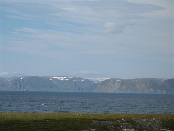 Вид на полуостров Нордкин с полуострова Варангер