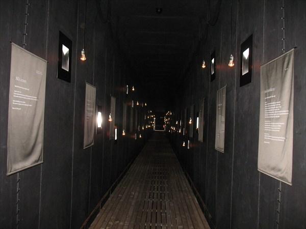 Внутри мемориала