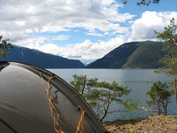 "Вид на Sognefjord со стоянки ""Сосновая"""
