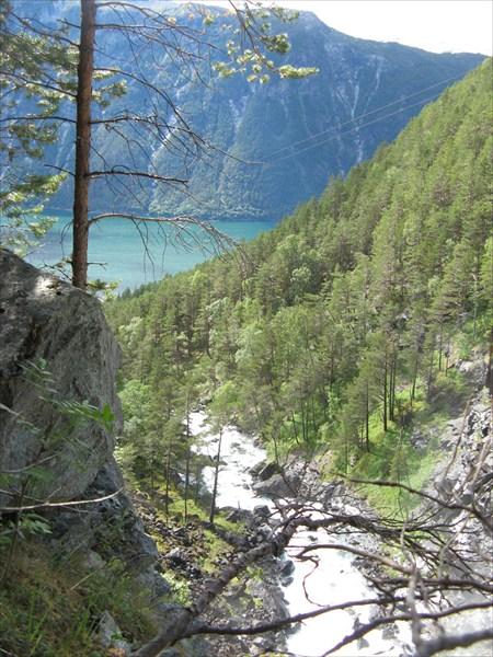 Вид на фьорд с отметки 300 метров