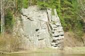 Лица на скале