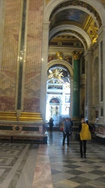 Внутренне убранство Исаакиевского собора