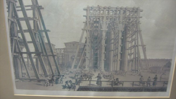 Возведение колонн Исаакиевского собора