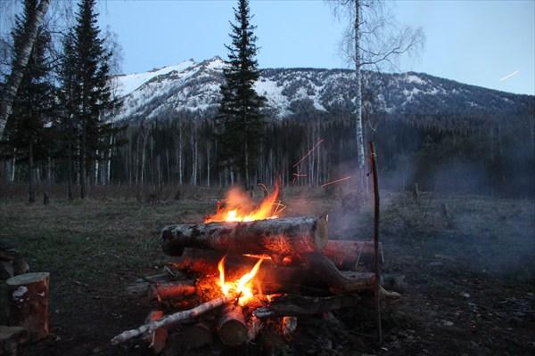 Первая ночёвка у горы Теремок