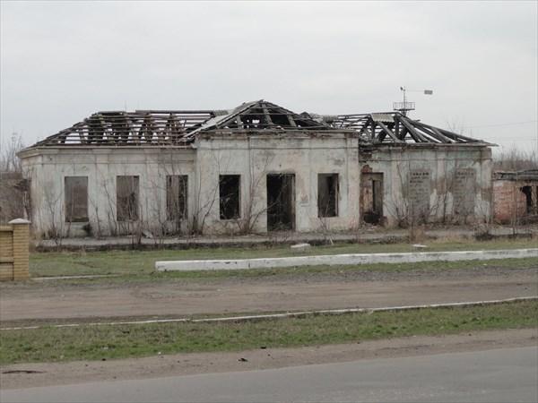 Разрушенный дом между Славкурортом и центром