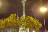 Статуя Колумба.