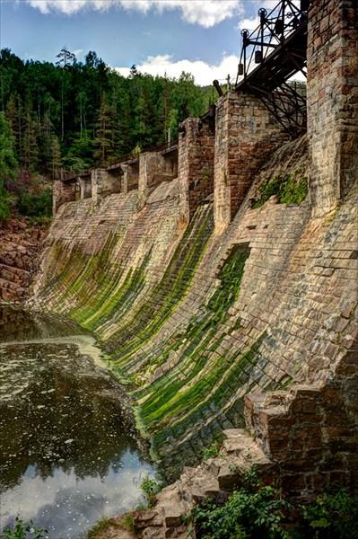 ГЭС в деревне Пороги
