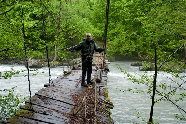 Непройденный мост через Бзыбь