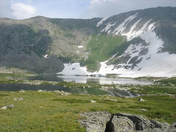 Терраса с горными озёрами.