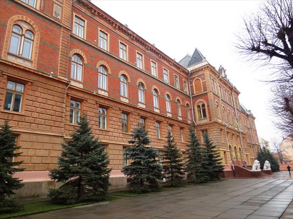 Бывший дворец юстиции, построен в 1906 г.