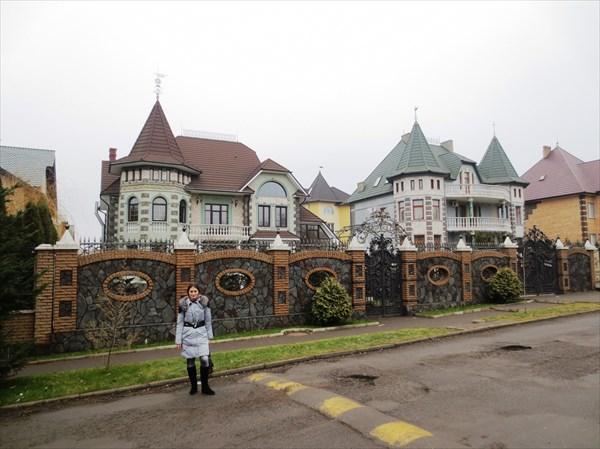 Богатые каттеджи, Черновцы