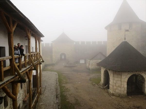 Хотинская крепость 10-18 вв, внутренний двор п. Хотин