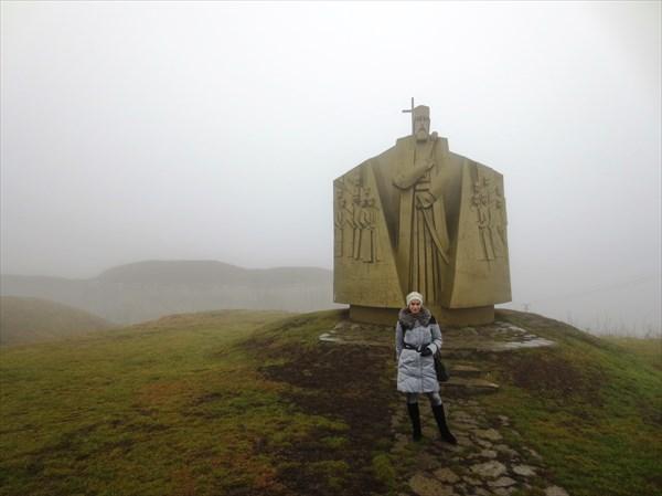 Памятник гетьману Петру Сагайдачному (Хотин) 1991