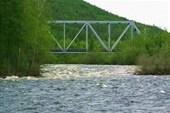 Мост через приток Ус-Кюёль