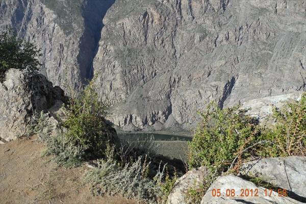 Внизу река Чулышман.