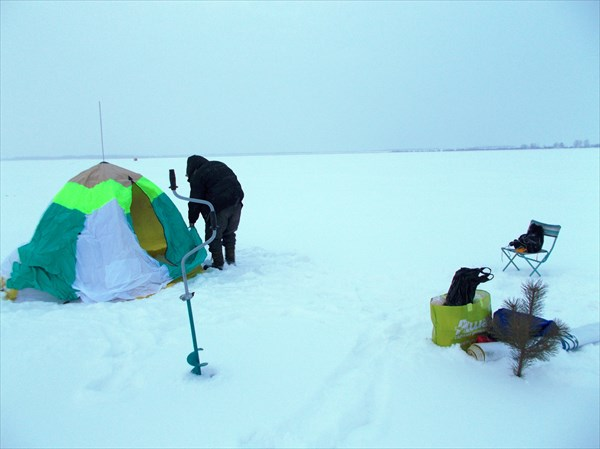 Установка праздничного шатра
