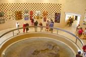Внутри мемориала `Масада`