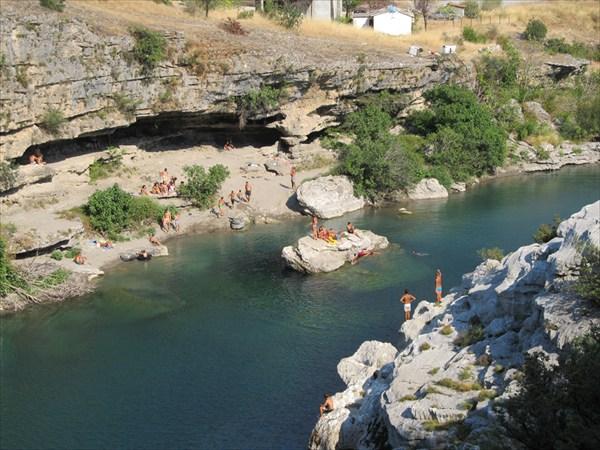 Вид на каньон реки Морача
