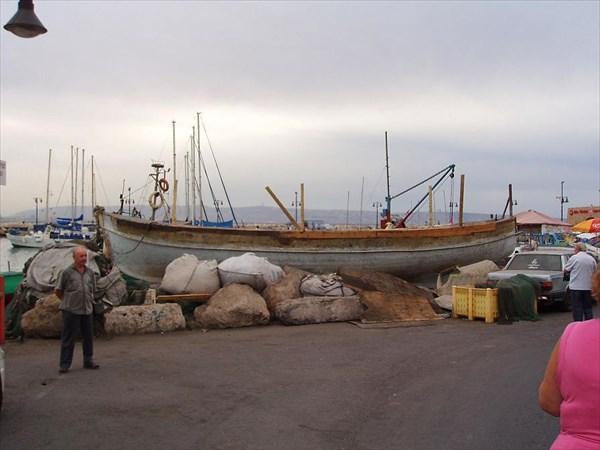 061-Акко-Лодка