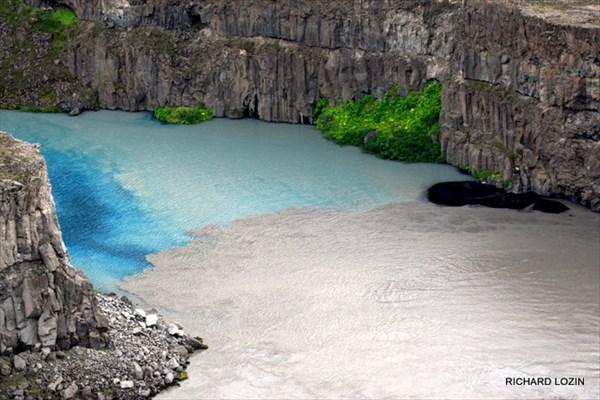 Слияние рек. Исландия