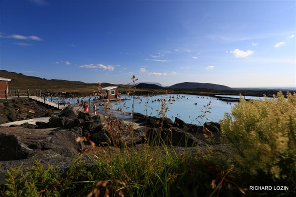 У озера Myvatn