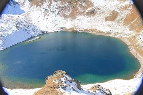 Черное озеро.