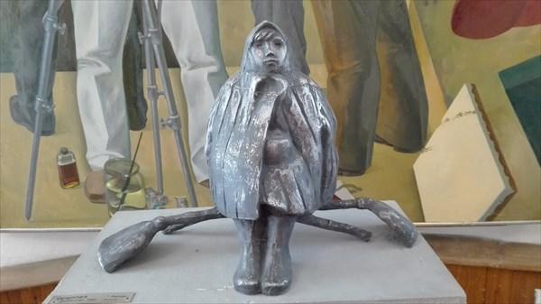 Работница в музее при усадьбе Борки