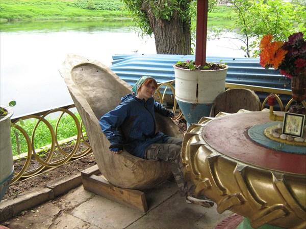 Кресло из липы под которой отдыхала Екатерина
