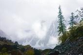Вид на Шавлу в низкую облачность.