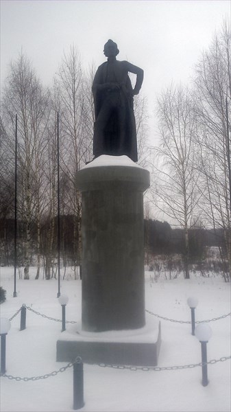 Рождествено-Суворово, памятник Суворову